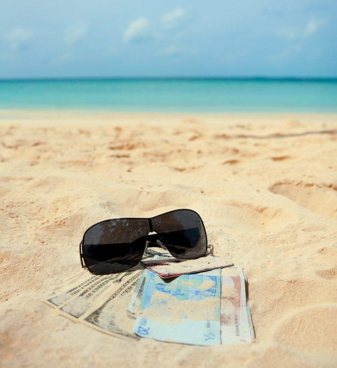 Potřebujete hotovost na nadcházející dovolenou? Kde ji nejlépe pořídit?
